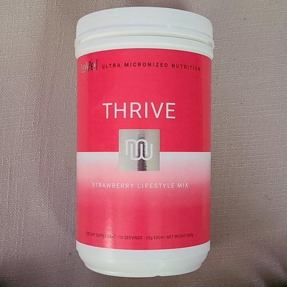 Strawberry Thrive lifestyle mix